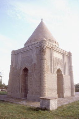 taraz_tomb of aisha-bibi
