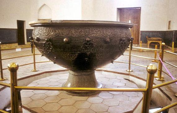 turkestan_khodja yasawi mausoleum_tamerlane's cauldron