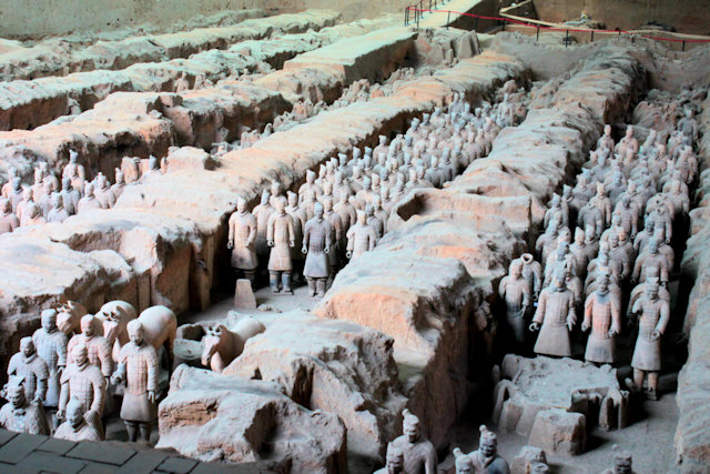 xian_tomb of qin shi huangdi_terra cotta army_1