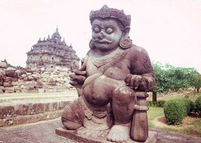 yogyakarta_candi plaosan_guardian figure