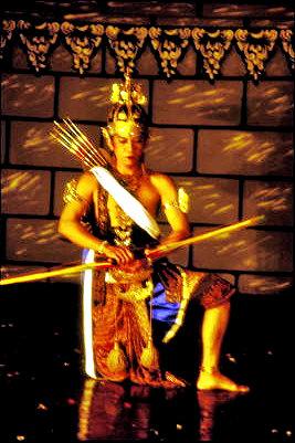 yogyakarta_classical dance performer