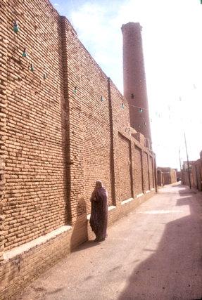 zavareh_street scene
