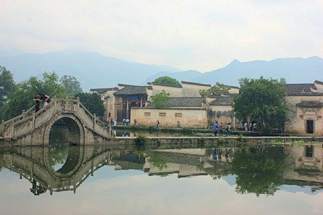 hongcun_south lake and bridge_1
