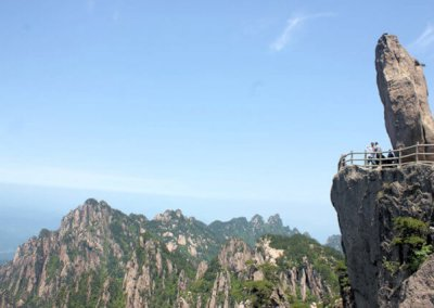 huangshan_flying over rock