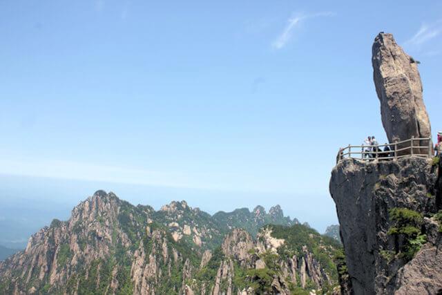 huangshan_flying over rock