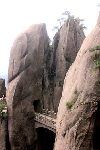 huangshan_white cloud scenic area_walking fairy land bridge