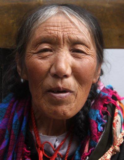 huangzhong_tibetan woman