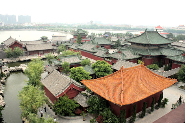 kaifeng_government office and temple of the chief minister