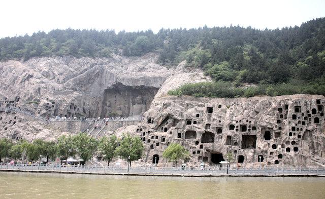 luoyang_longmen caves (5)