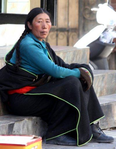 xining_tibetan woman