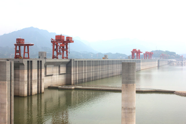 yichang_three gorges dam (2)