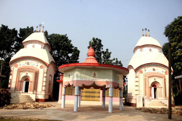 chandina_aat-chala temple