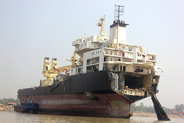 chittagong_ship-breaking yards