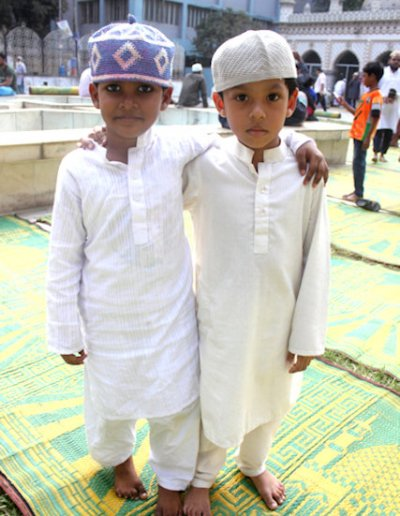 sitara mosque_ young students