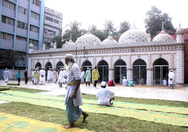sitara mosque