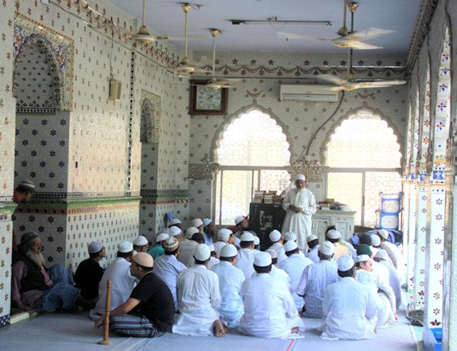 sitara mosque (2)