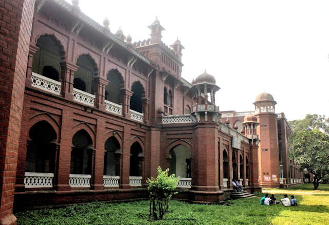 dhaka university_curzon hall