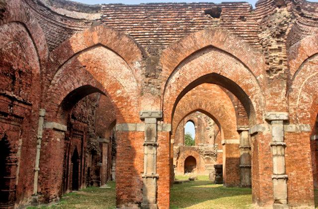 gaur_darasbari mosque