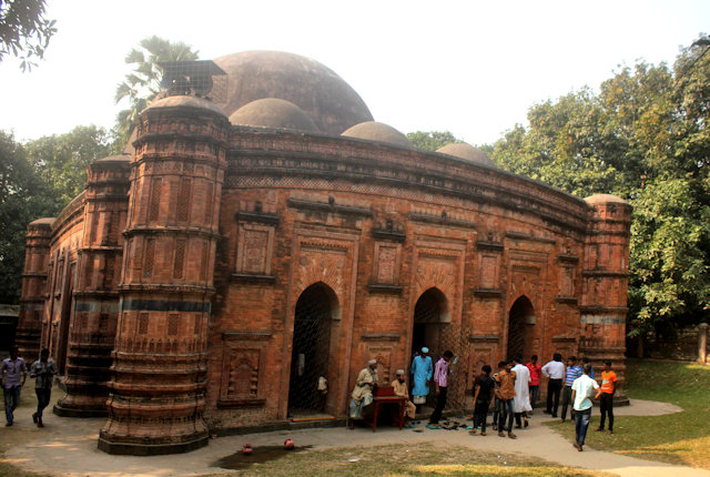 gaur_khania dighi mosque