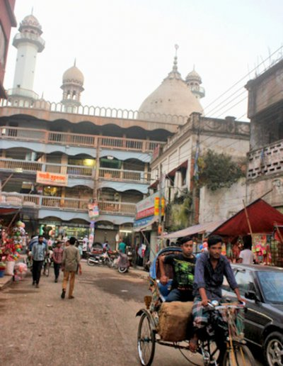 mymensingh_street scene with mosque