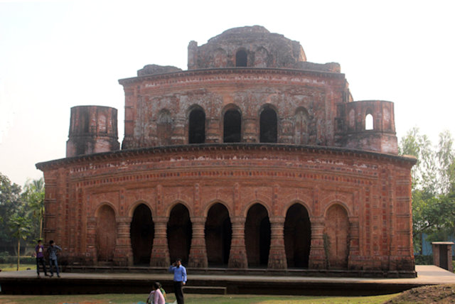 shirajgonj_navratna temple (4)
