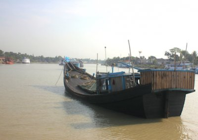sunderbans_river traffic