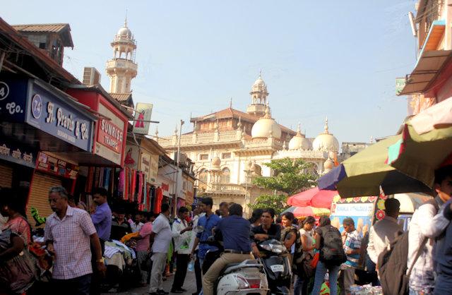 street scene with jami masjid