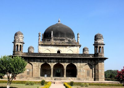 burhanpur_tomb of shah nawaz khan (black taj)