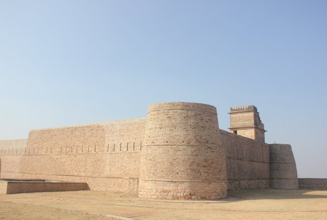 chanderi_kirtidurga fort