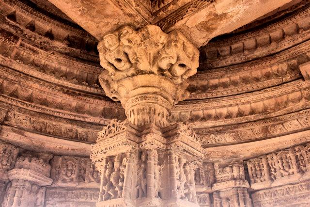 gwalior_fort_saas-bahu temples_3