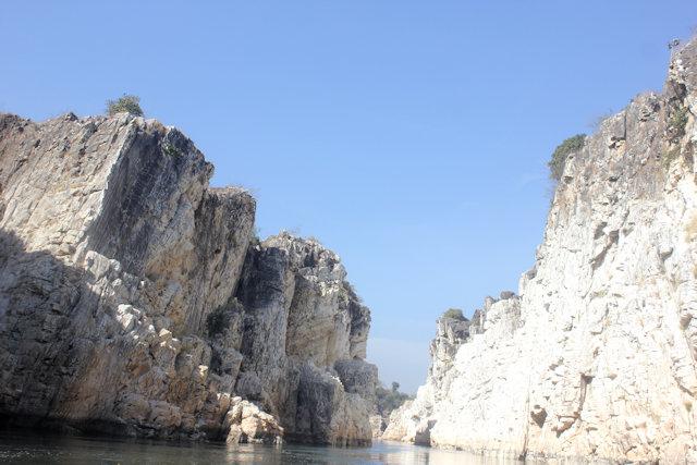 jabalpur_bhedaghat_marble rocks_2