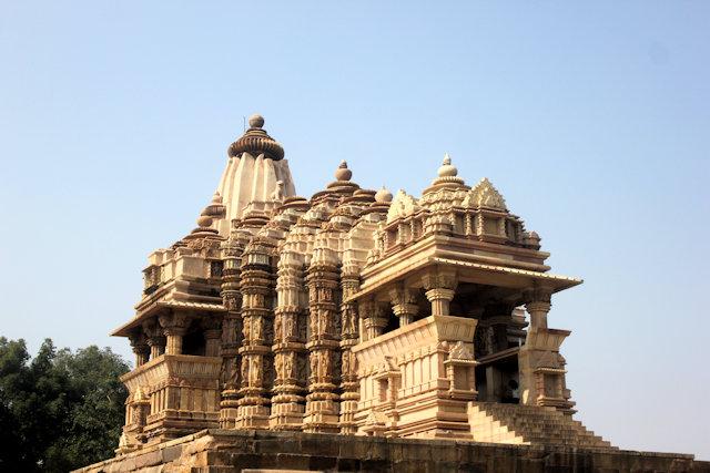 khajuraho_chitragupta temple