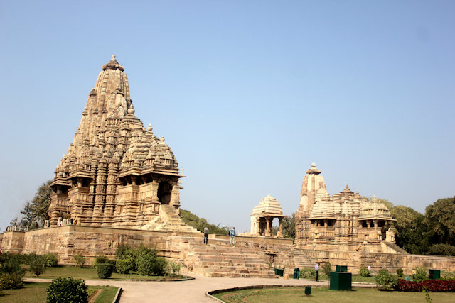 khajuraho_kandariya mahadev and jagadambi temples