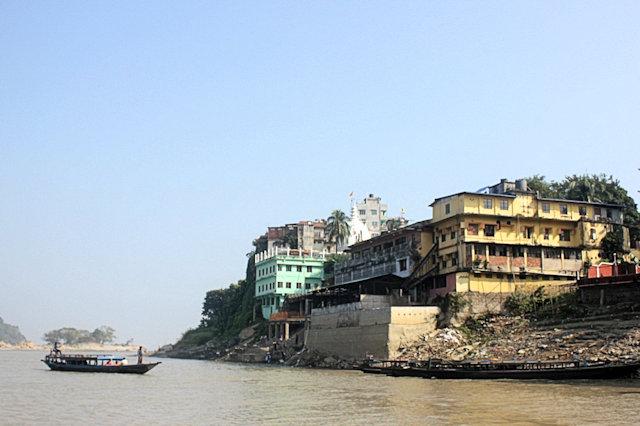 guwahati_brahmaputra river with sukreswar and janardana temples