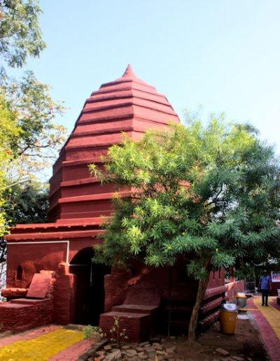 guwahati_peacock island_umananda temple