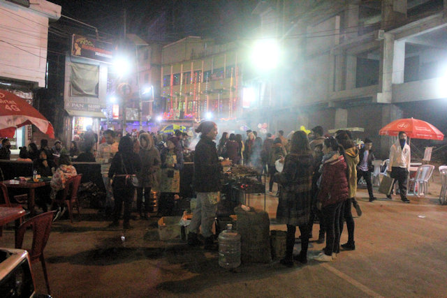 kohima_night market