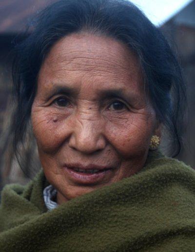 longkhum_naga woman