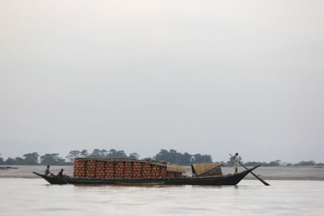 majuli_brahmaputra river traffic