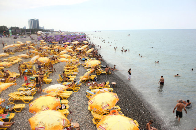 batumi_bathing beach