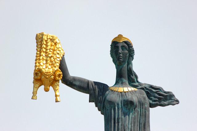 batumi_europe square_medea statue