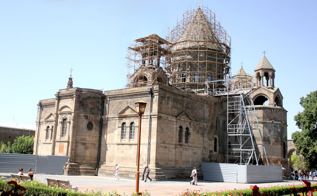 echmiadzin_holy see complex_mayr tachar cathedral