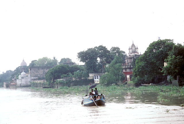 hoogly river near belur math