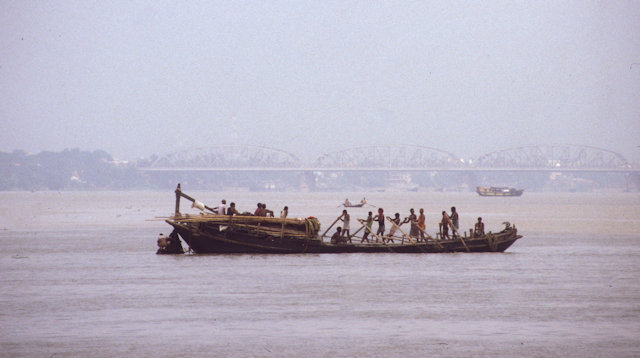 hoogly river near howrah bridge