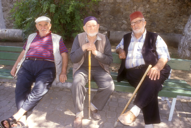 iznik_local elders