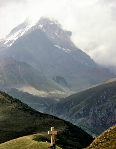 kazbegi_crucifix and mt kazbek