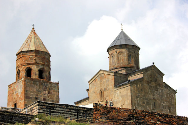 kazbegi_tsminda sameba church