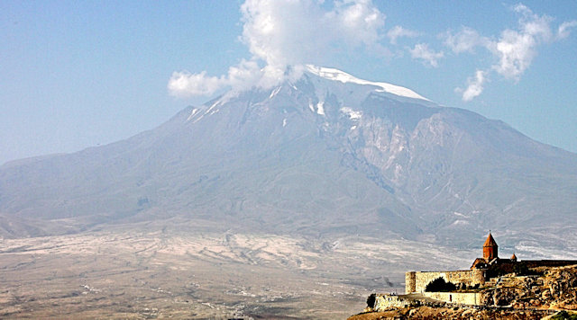 khor virap_monastery and mount ararat