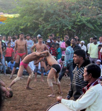 khuldabad_street fair_wrestling tournament