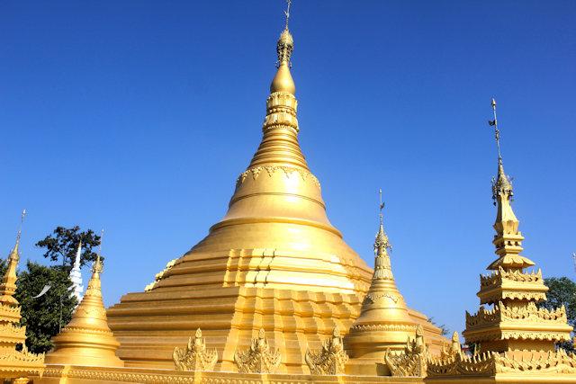 namsai_golden pagoda