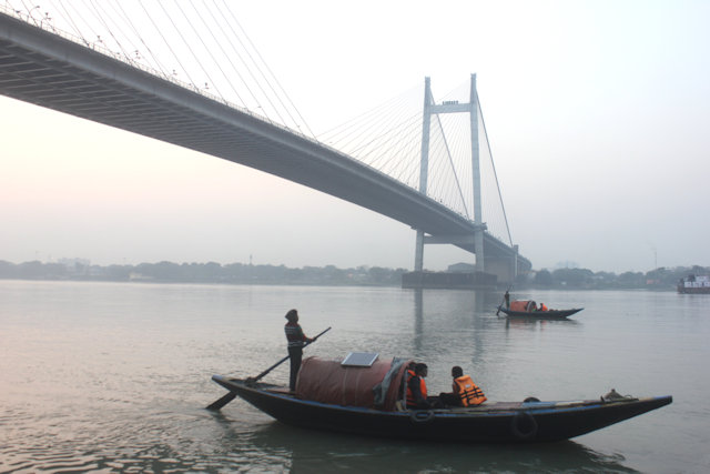 princip ghat_hooghly river traffic with new bridge